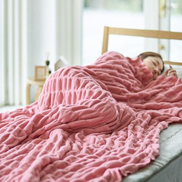 ふわふわのびのび綿毛布【冬向け寝具】